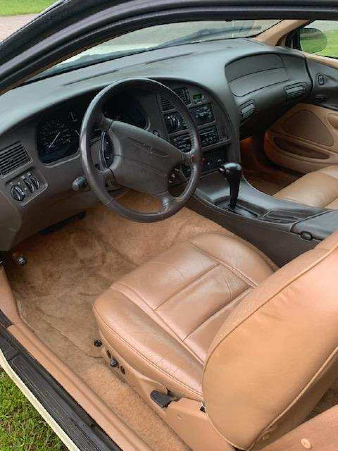 7th Image of a 1996 FORD THUNDERBIRD LX