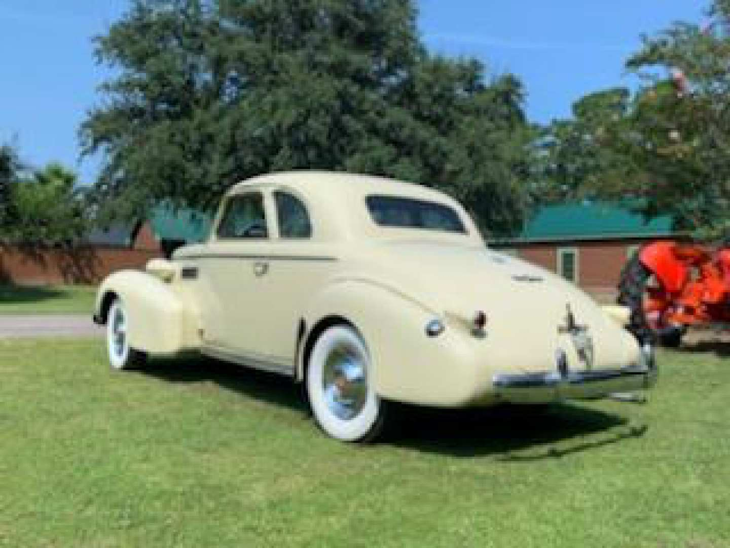 2nd Image of a 1939 CADILLAC COUPE