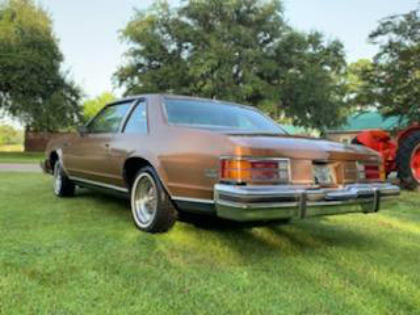 2nd Image of a 1979 BUICK LESABRE