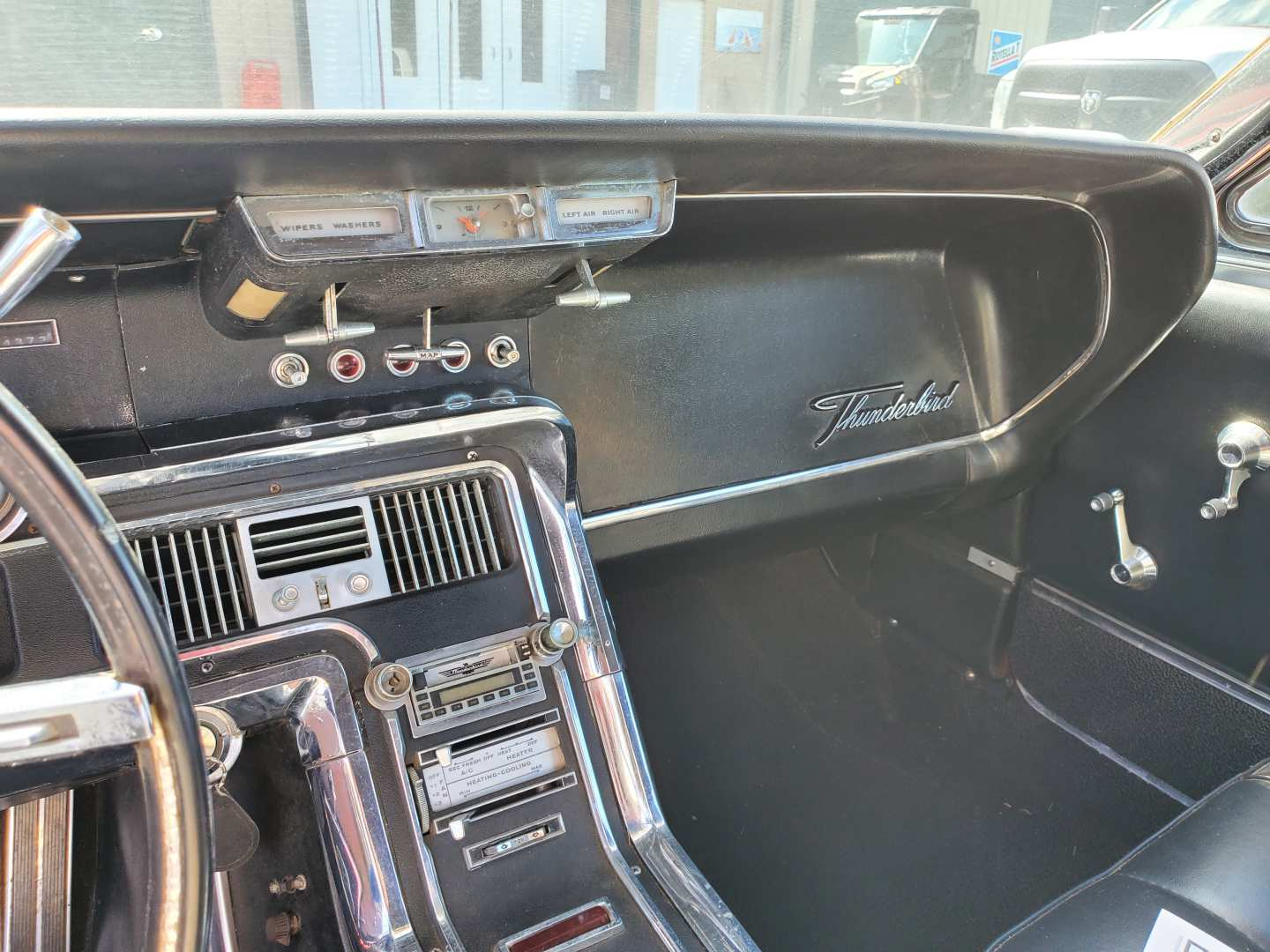 7th Image of a 1966 FORD THUNDERBIRD