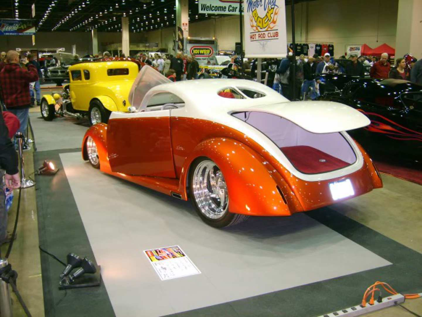 3rd Image of a 1937 FORD COUPE