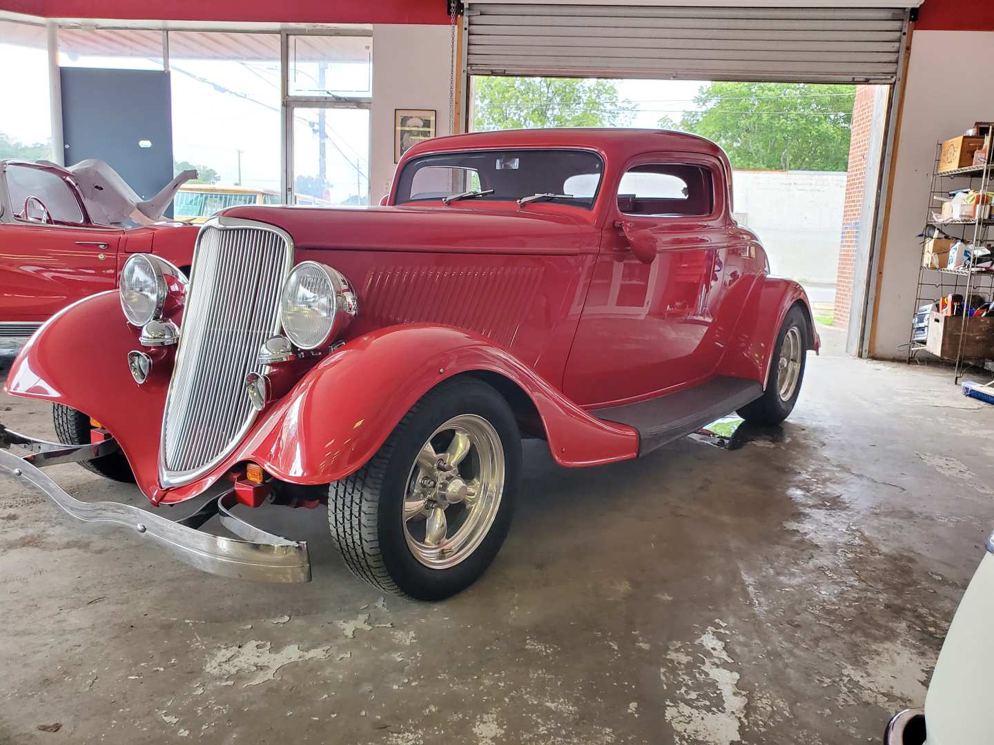 3rd Image of a 1933 FORD DELUXE