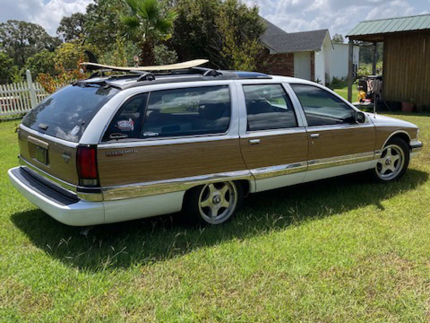 3rd Image of a 1995 BUICK ROADMASTER ESTATE WAGON