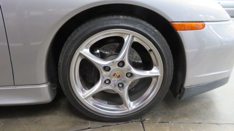 6th Image of a 2004 PORSCHE 911