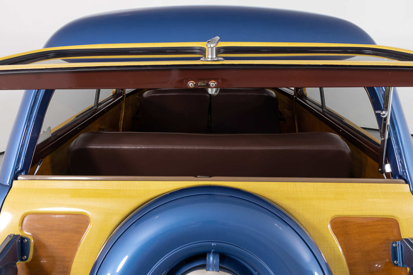 11th Image of a 1951 FORD COUNTRY SQUIRE