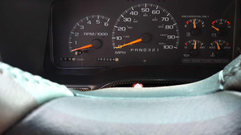 10th Image of a 1999 GMC SUBURBAN K2500