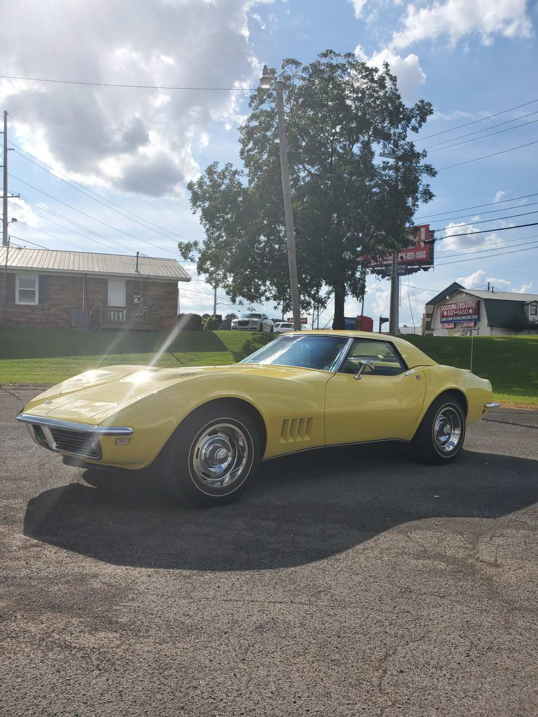 2nd Image of a 1968 CHEVROLET CORVETTE