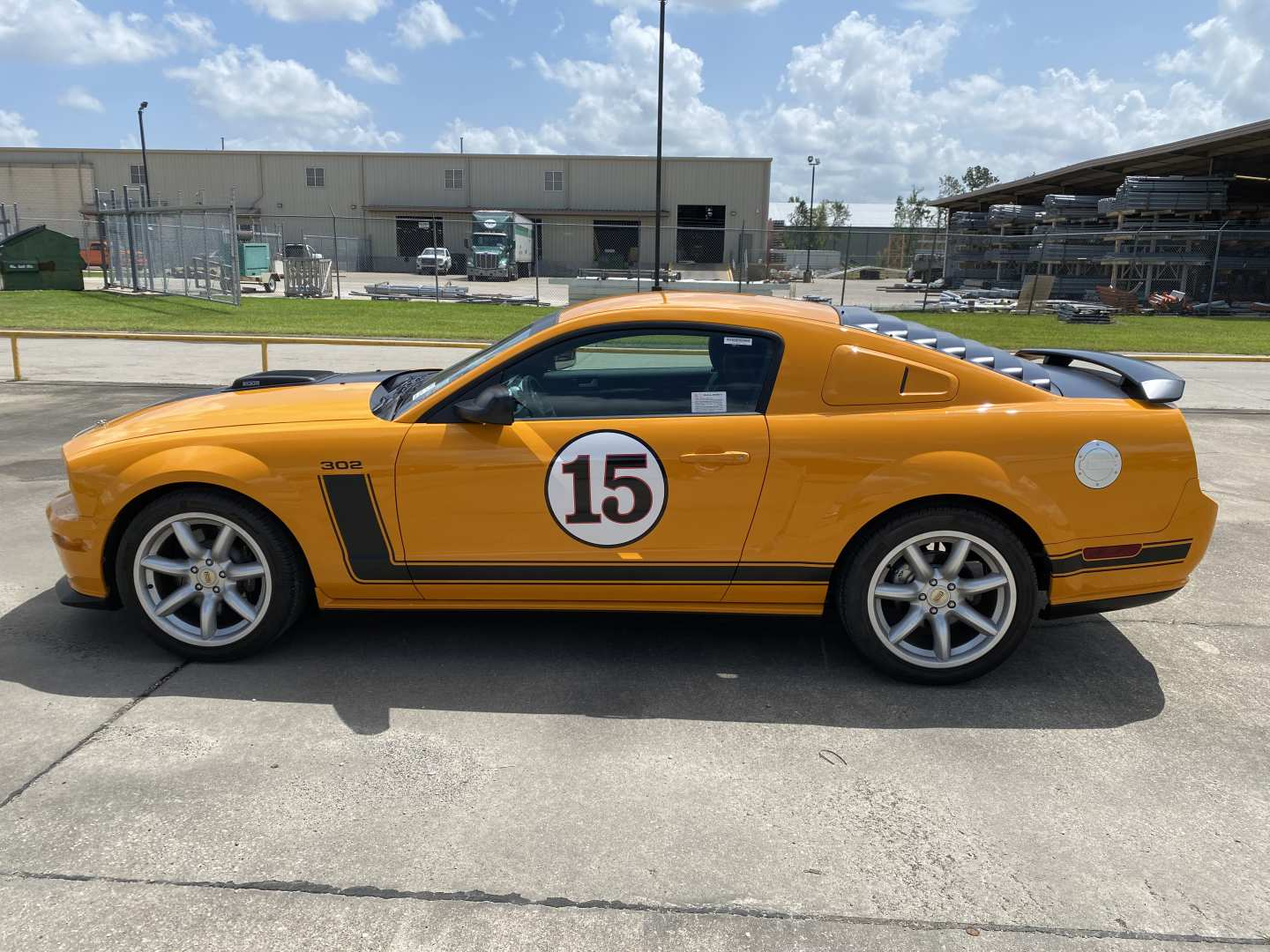 3rd Image of a 2007 FORD MUSTANG GT
