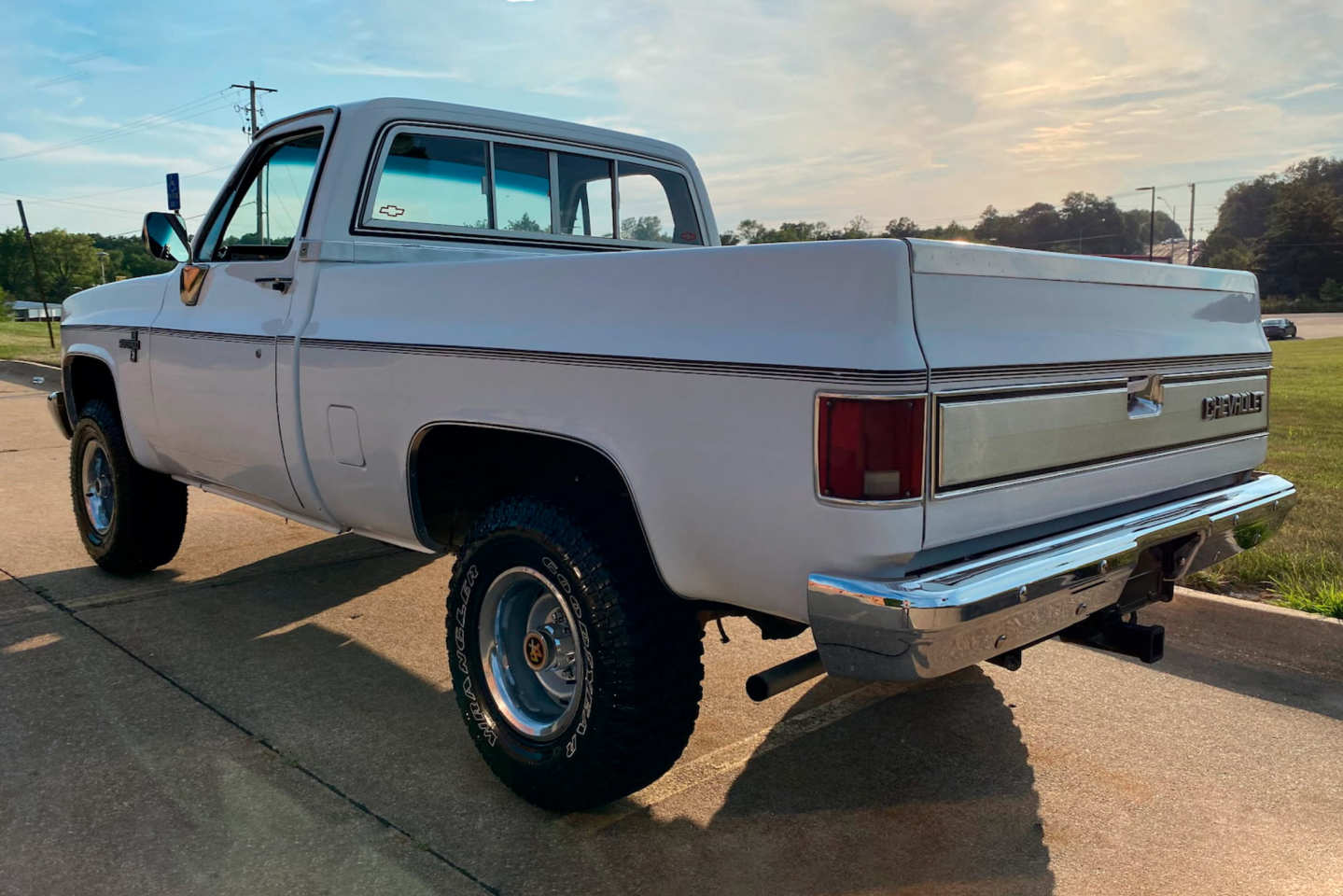 3rd Image of a 1985 CHEVROLET K10