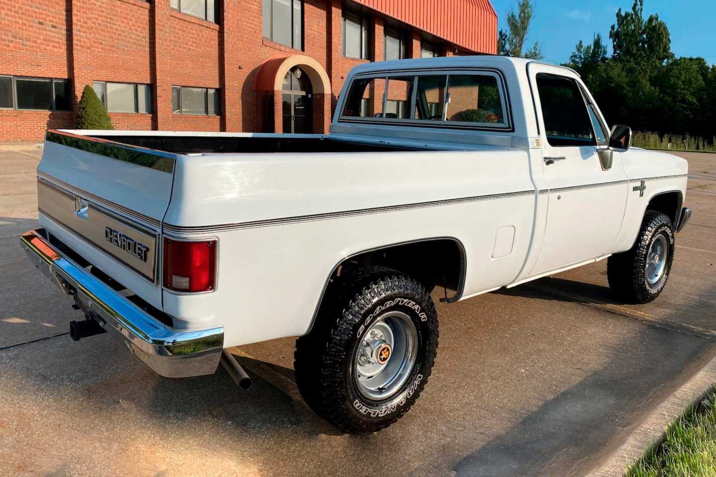4th Image of a 1985 CHEVROLET K10