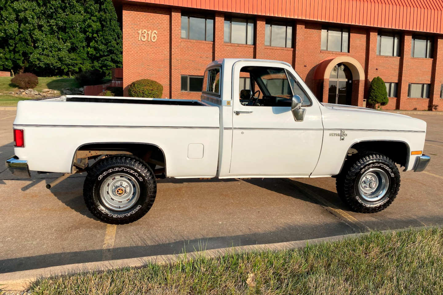 11th Image of a 1985 CHEVROLET K10