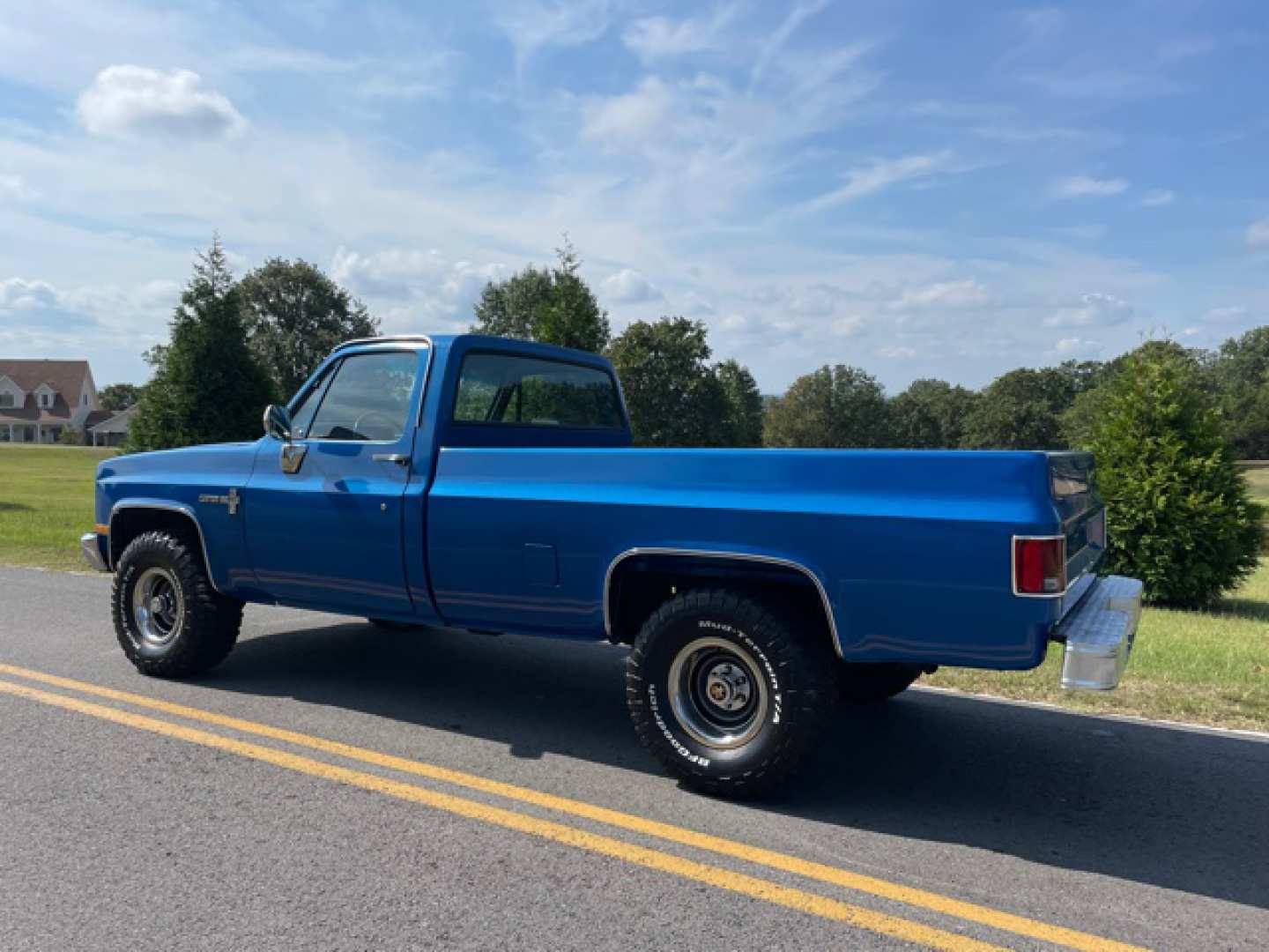 2nd Image of a 1986 CHEVROLET K10