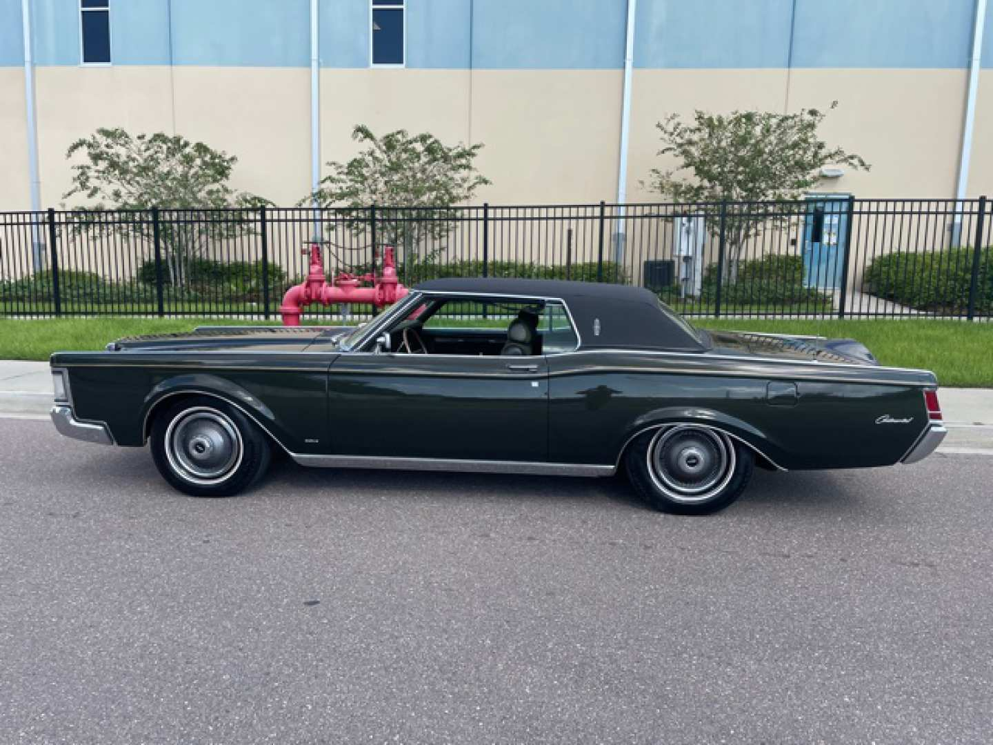3rd Image of a 1969 LINCOLN MARK III