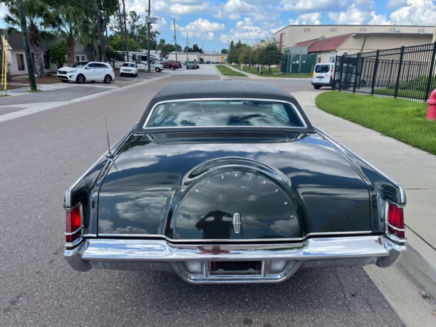 4th Image of a 1969 LINCOLN MARK III