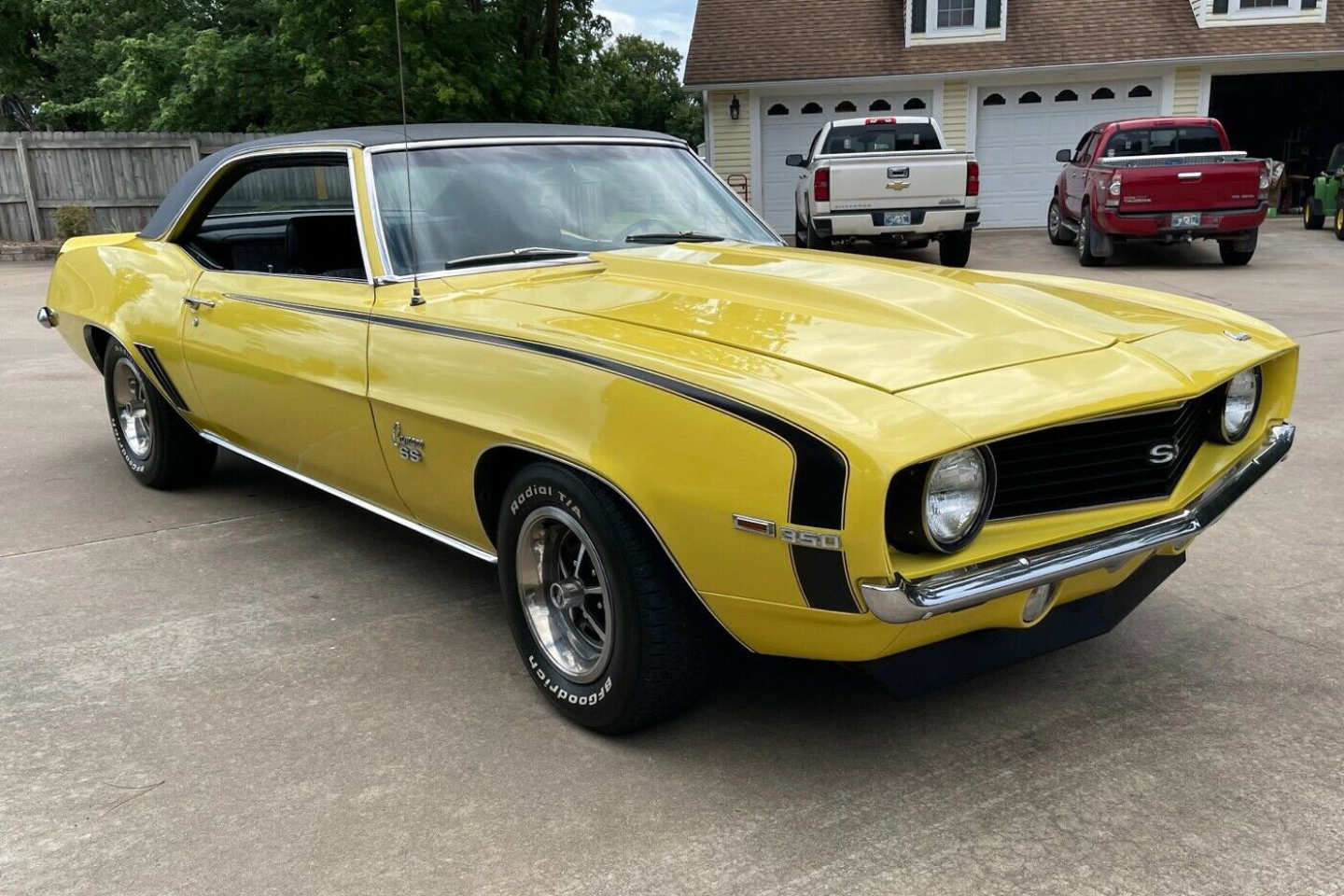 2nd Image of a 1969 CHEVROLET CAMARO SS
