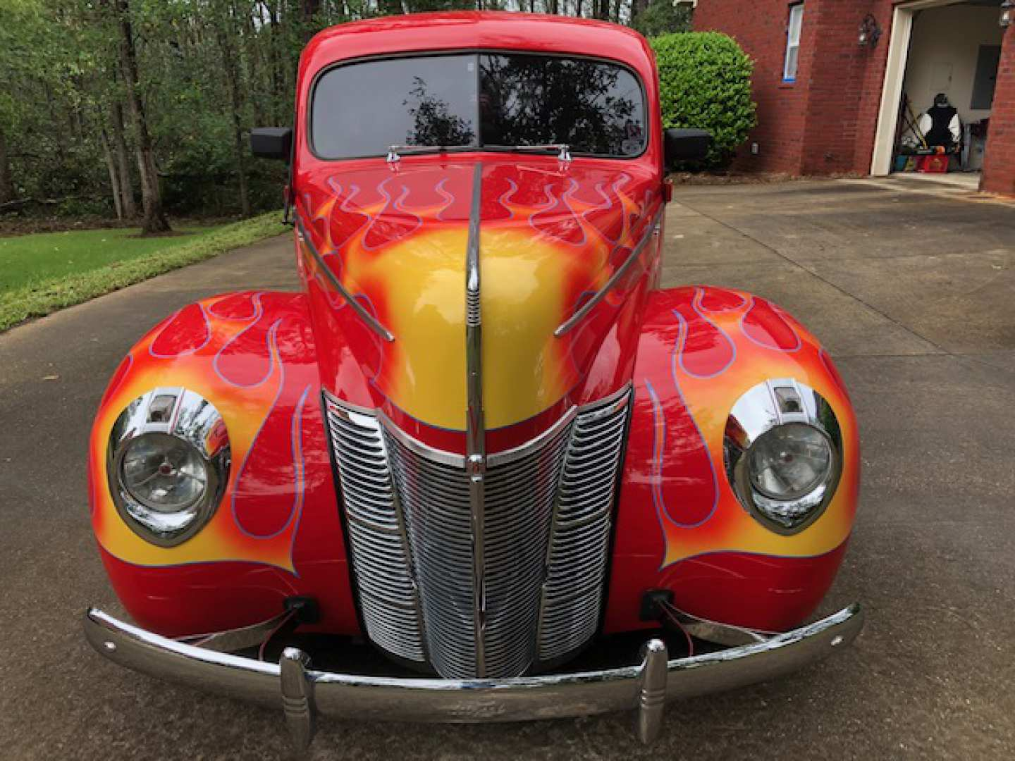 2nd Image of a 1940 FORD TUDOR