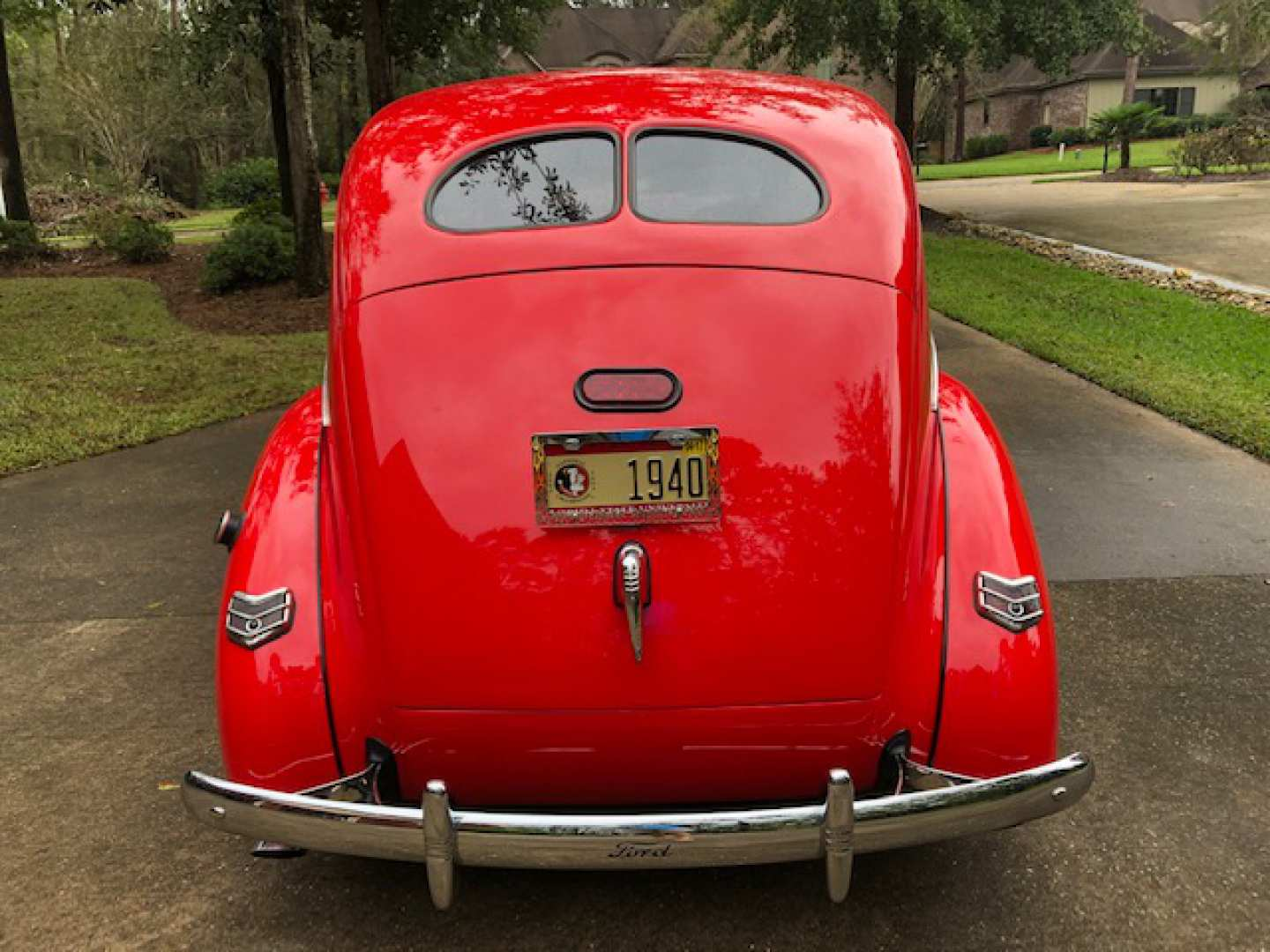 3rd Image of a 1940 FORD TUDOR