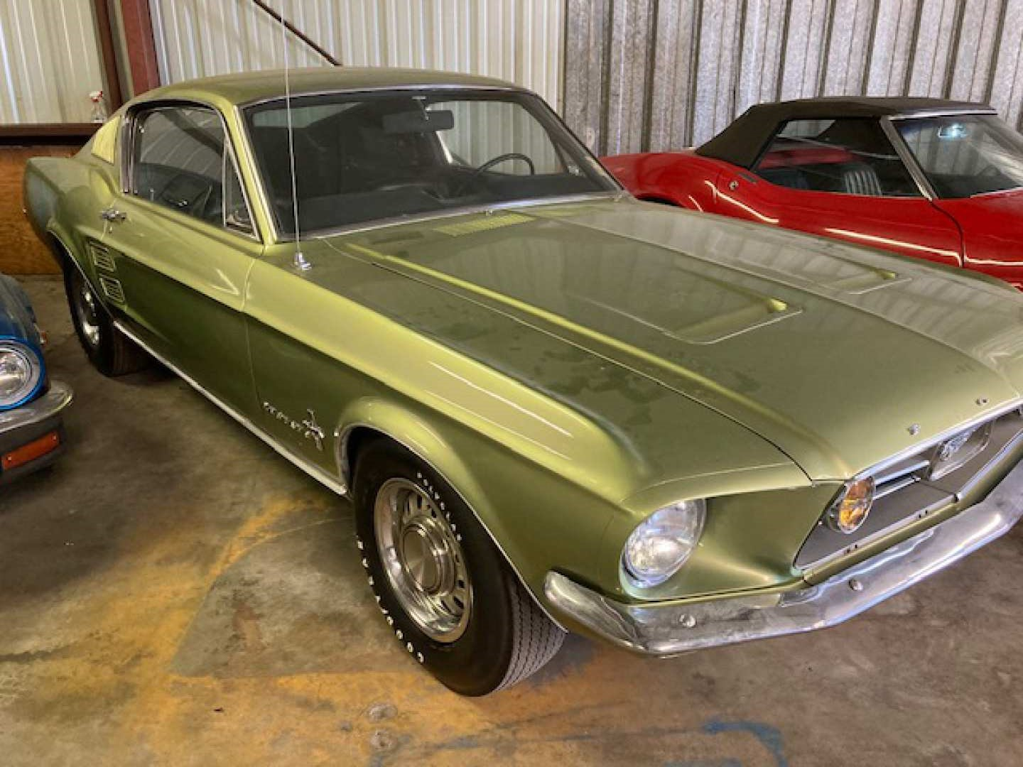 2nd Image of a 1967 FORD MUSTANG