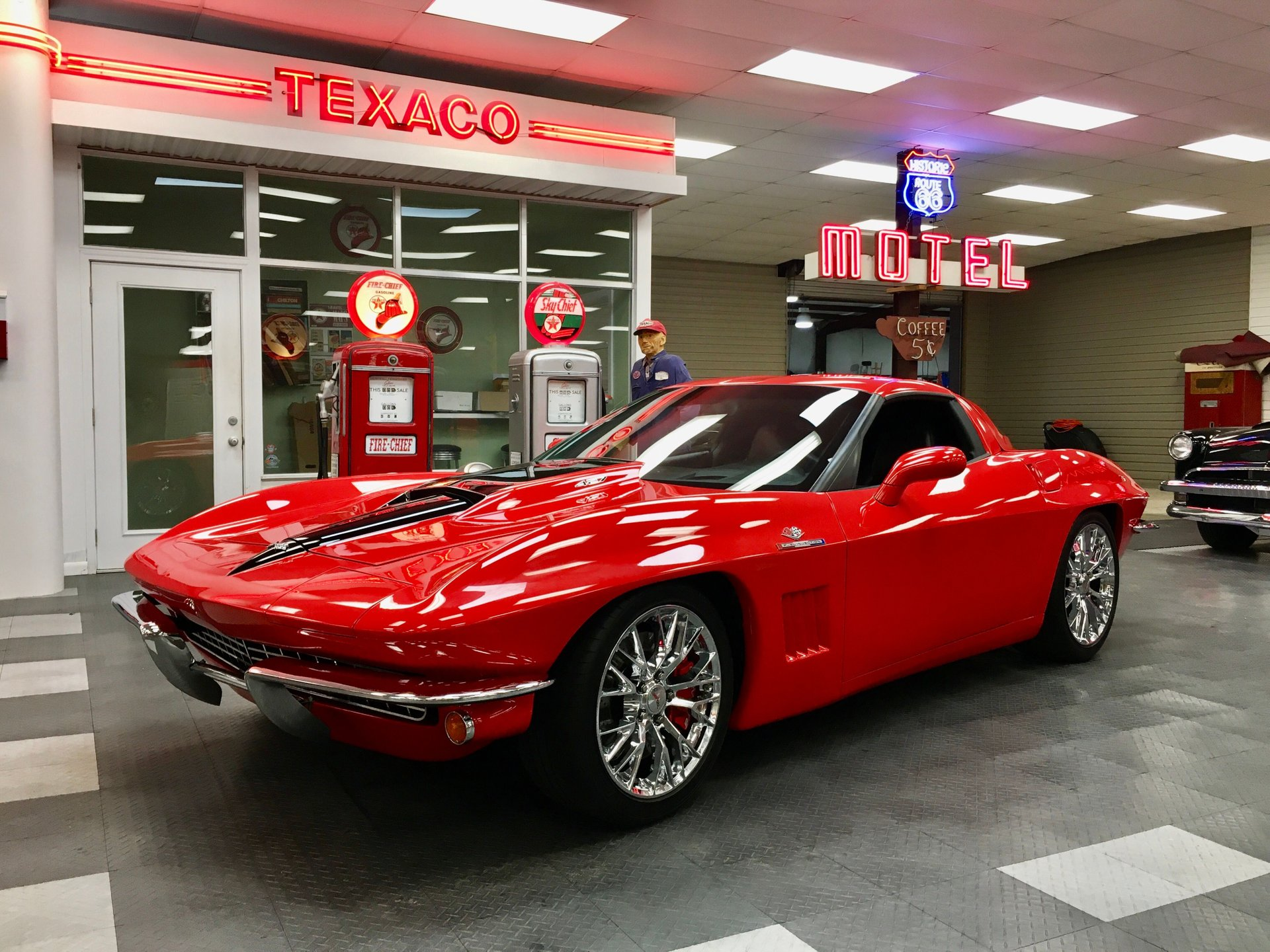 2nd Image of a 2009 CHEVROLET CORVETTE
