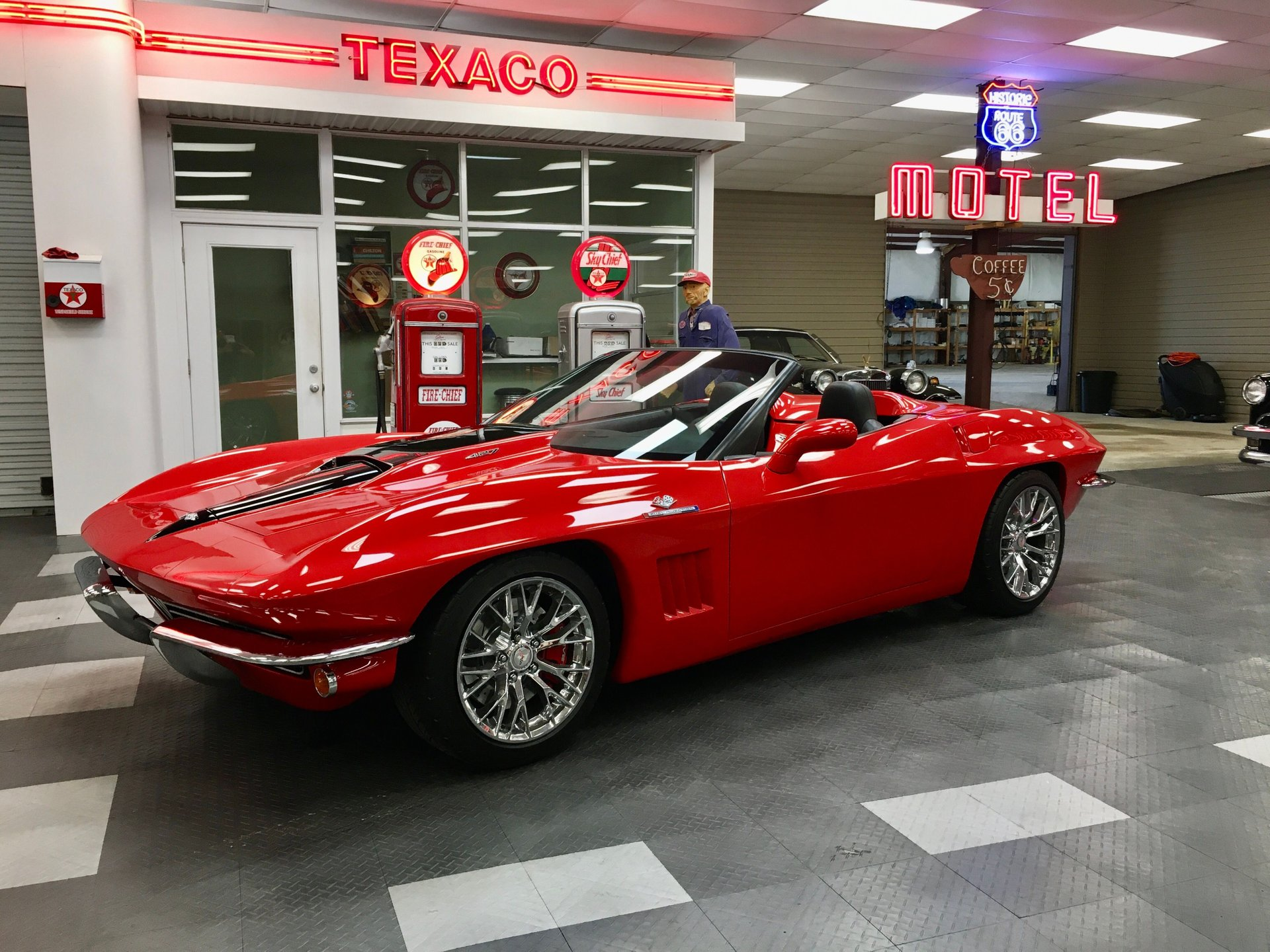 2nd Image of a 2013 CHEVROLET CORVETTE
