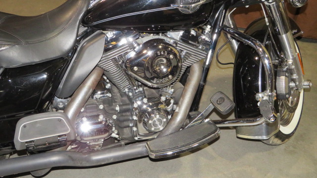 6th Image of a 2010 HARLEY DAVIDSON FLHRC