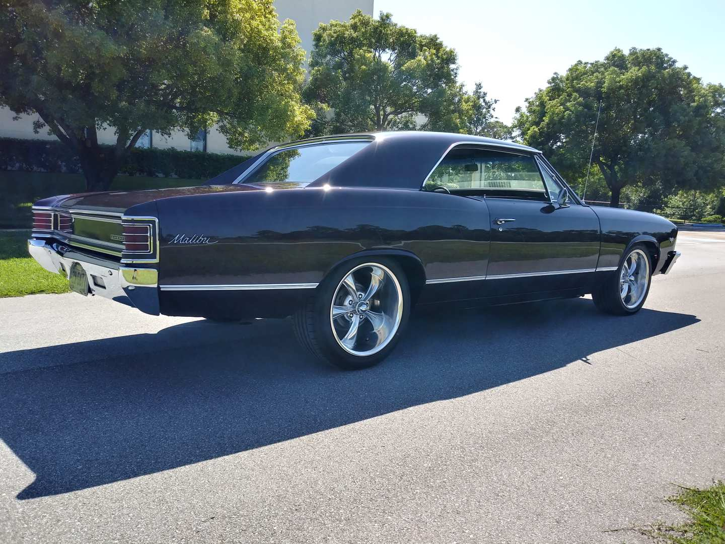 2nd Image of a 1967 CHEVROLET CHEVELLE