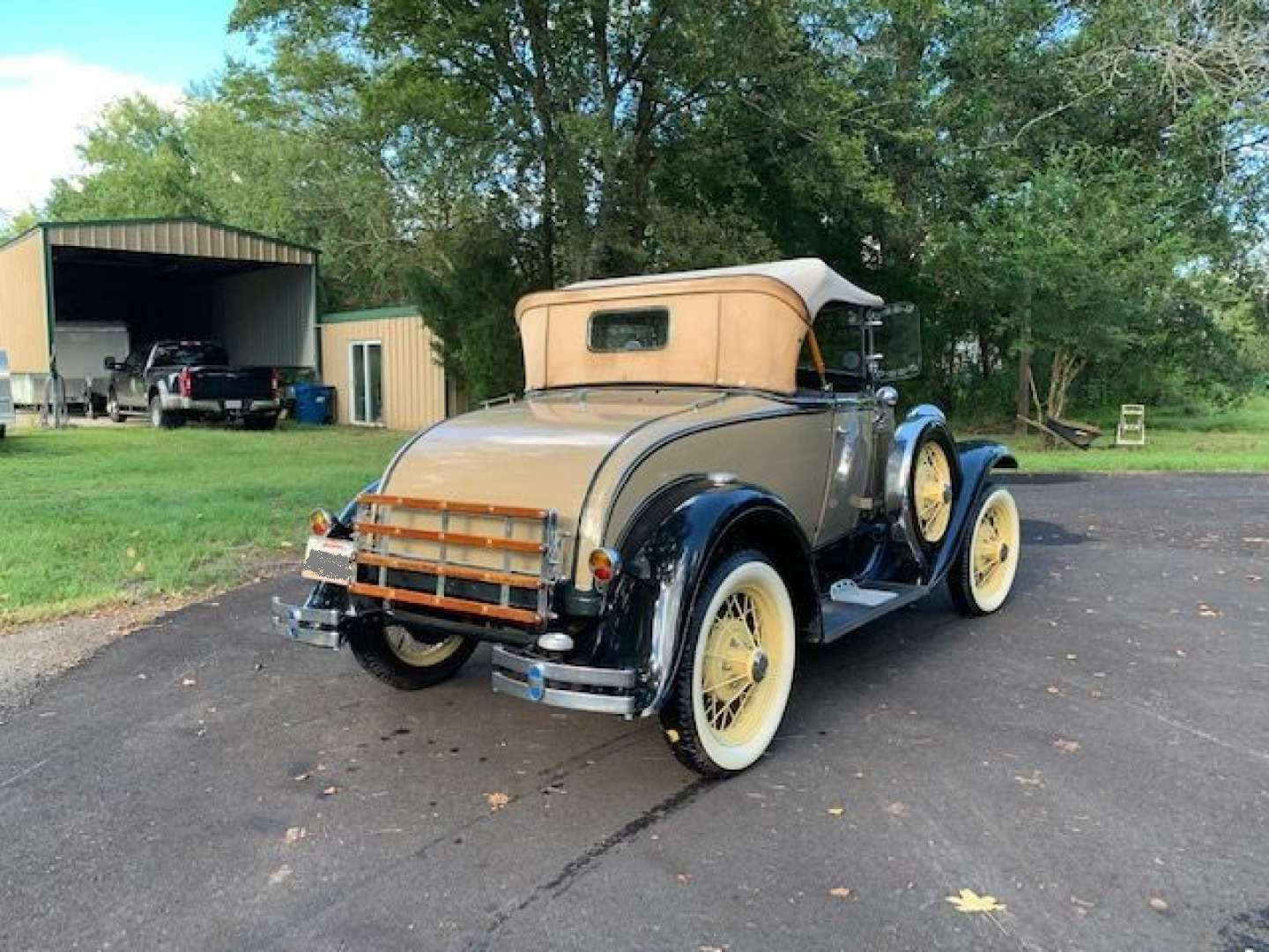 2nd Image of a 1930 FORD ROADSTER