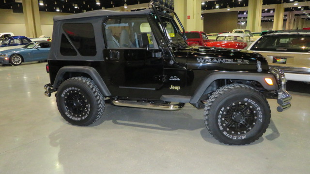 3rd Image of a 1997 JEEP WRANGLER SPORT