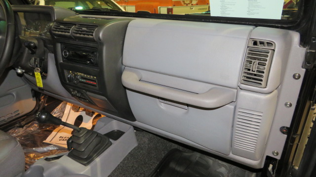 8th Image of a 1997 JEEP WRANGLER SPORT