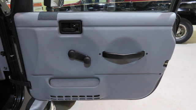 11th Image of a 1997 JEEP WRANGLER SPORT