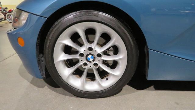 18th Image of a 2005 BMW Z4 2.5I