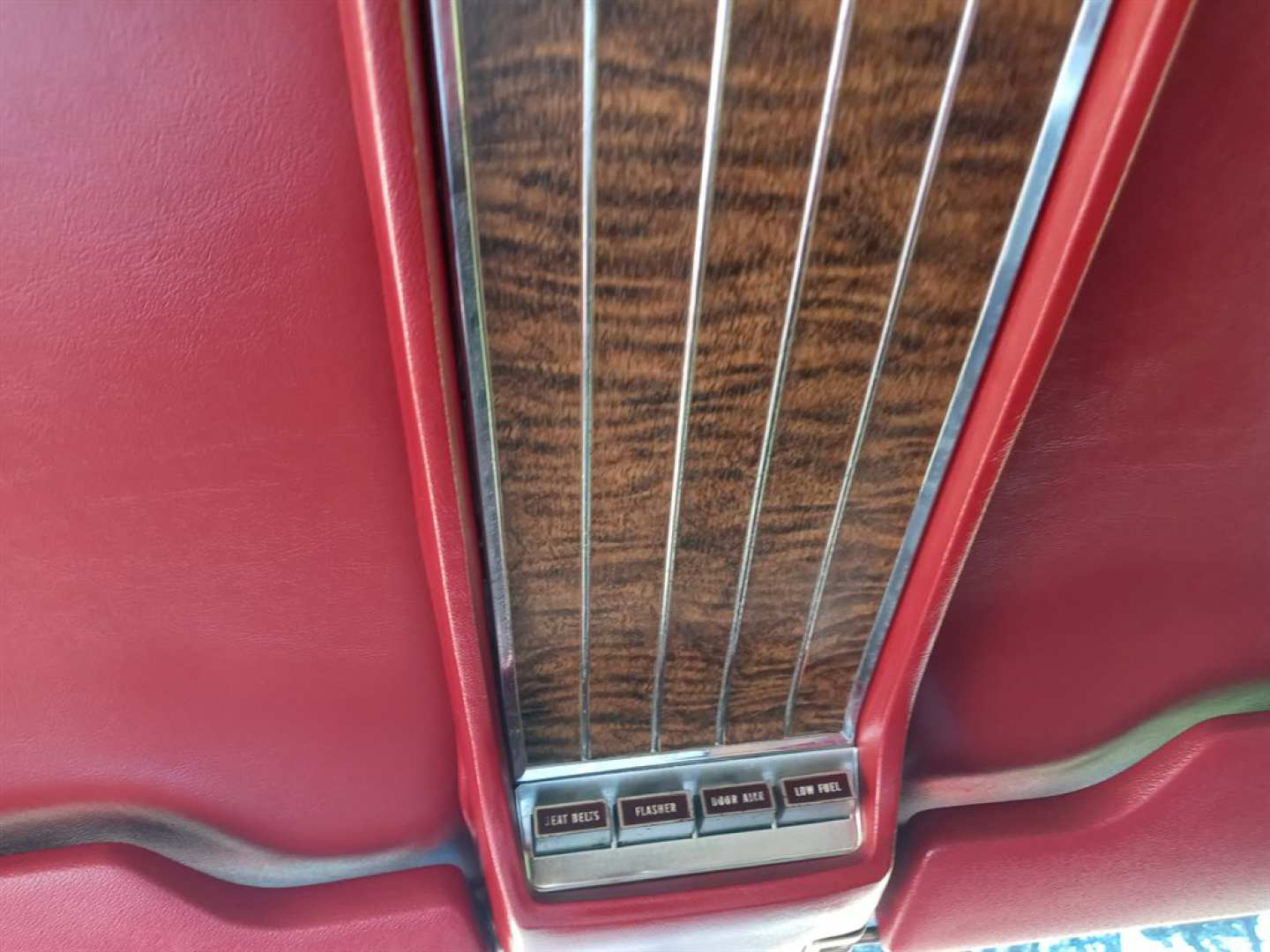 12th Image of a 1966 FORD THUNDERBIRD
