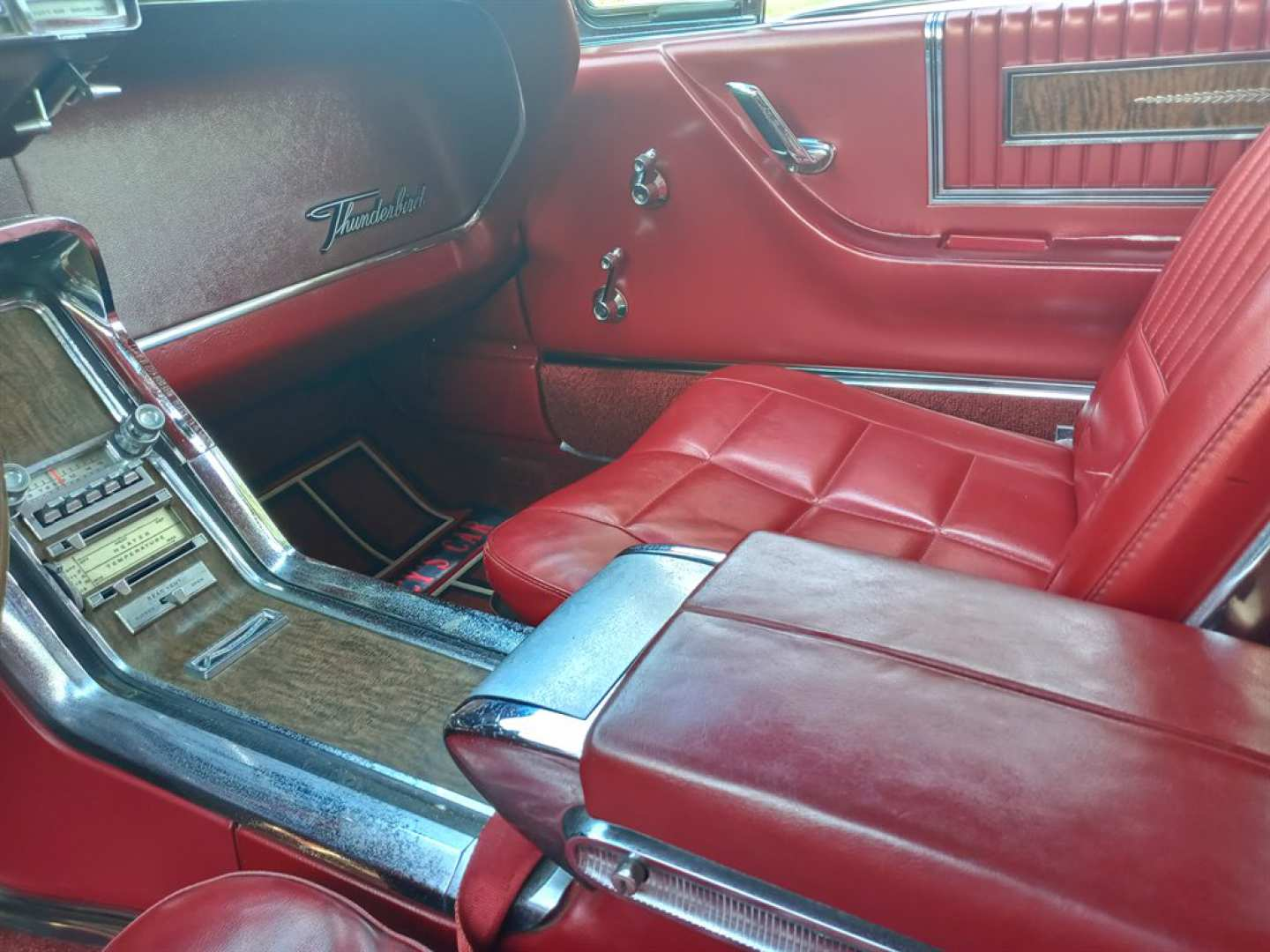 13th Image of a 1966 FORD THUNDERBIRD