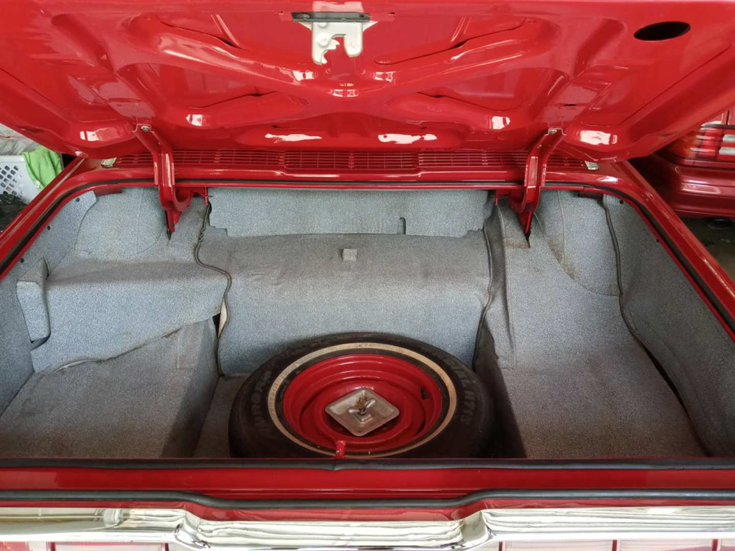 22nd Image of a 1966 FORD THUNDERBIRD