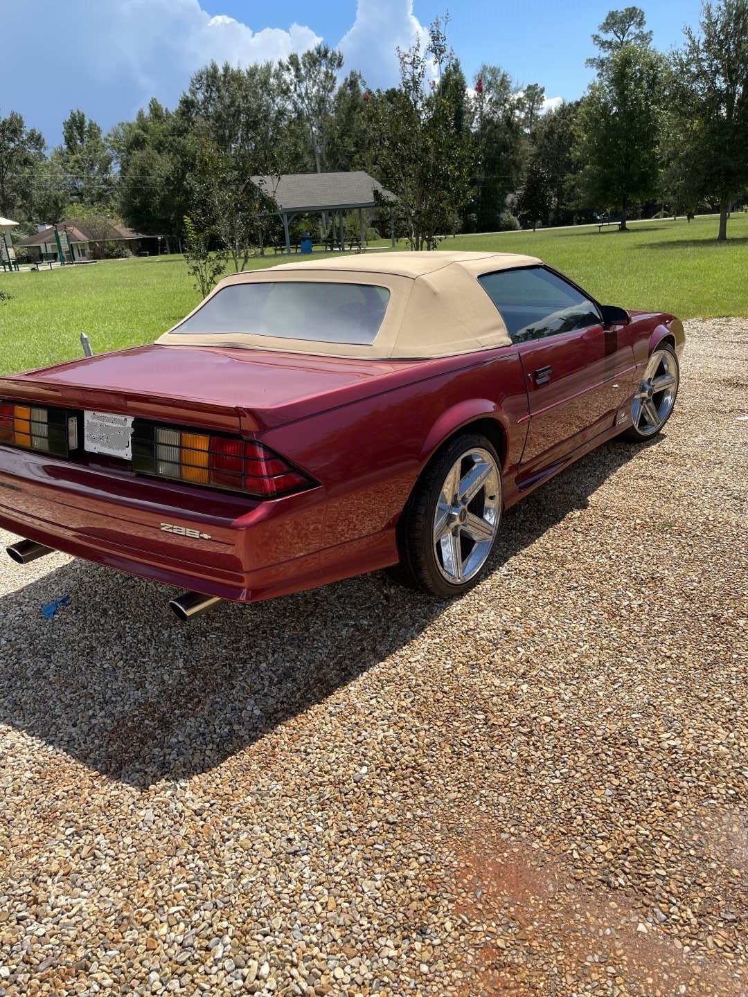 2nd Image of a 1992 CHEVROLET CAMARO Z28