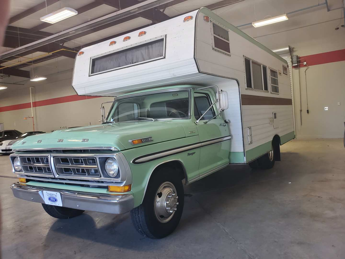 2nd Image of a 1971 FORD TRUCK F350