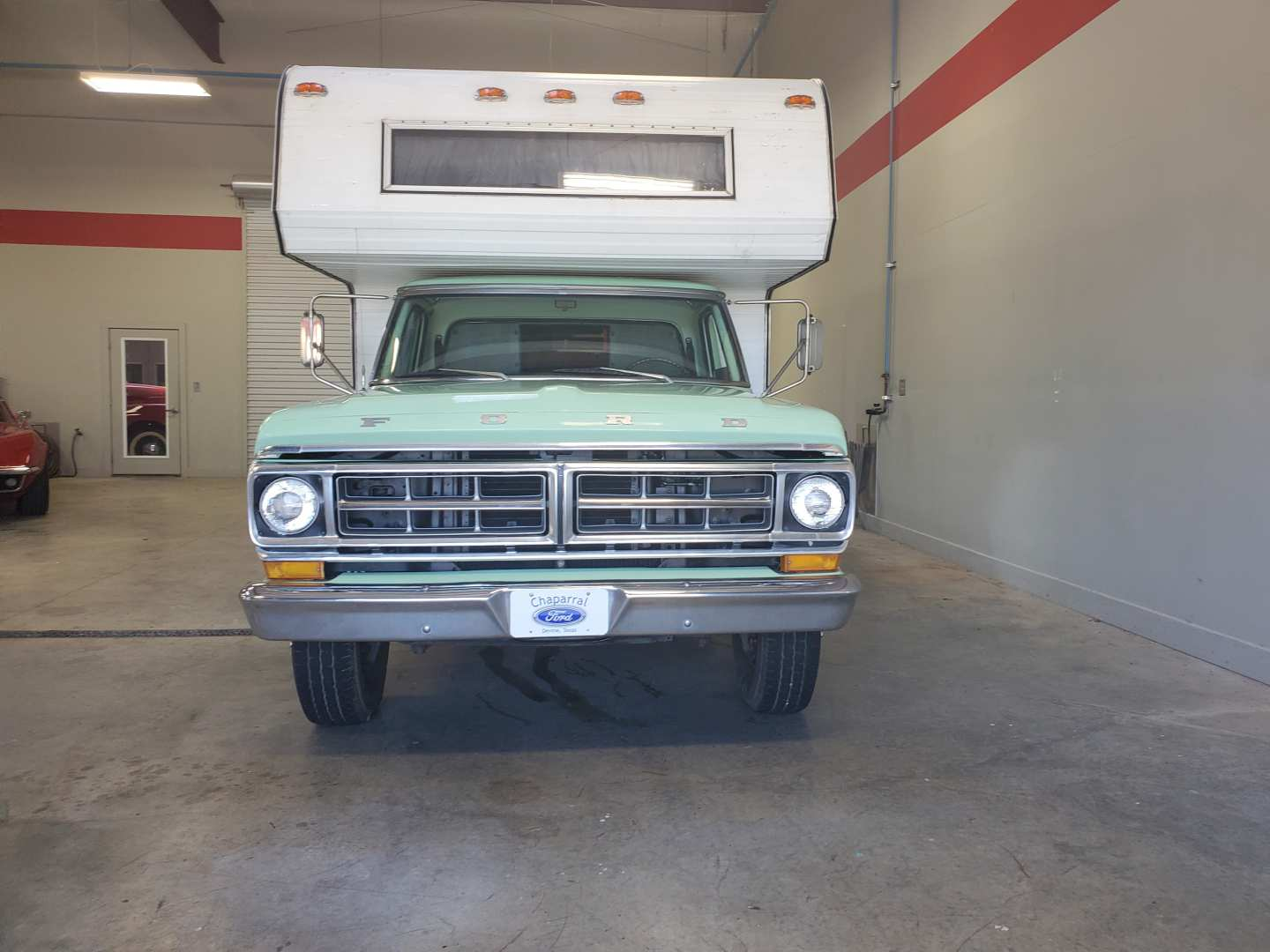 3rd Image of a 1971 FORD TRUCK F350
