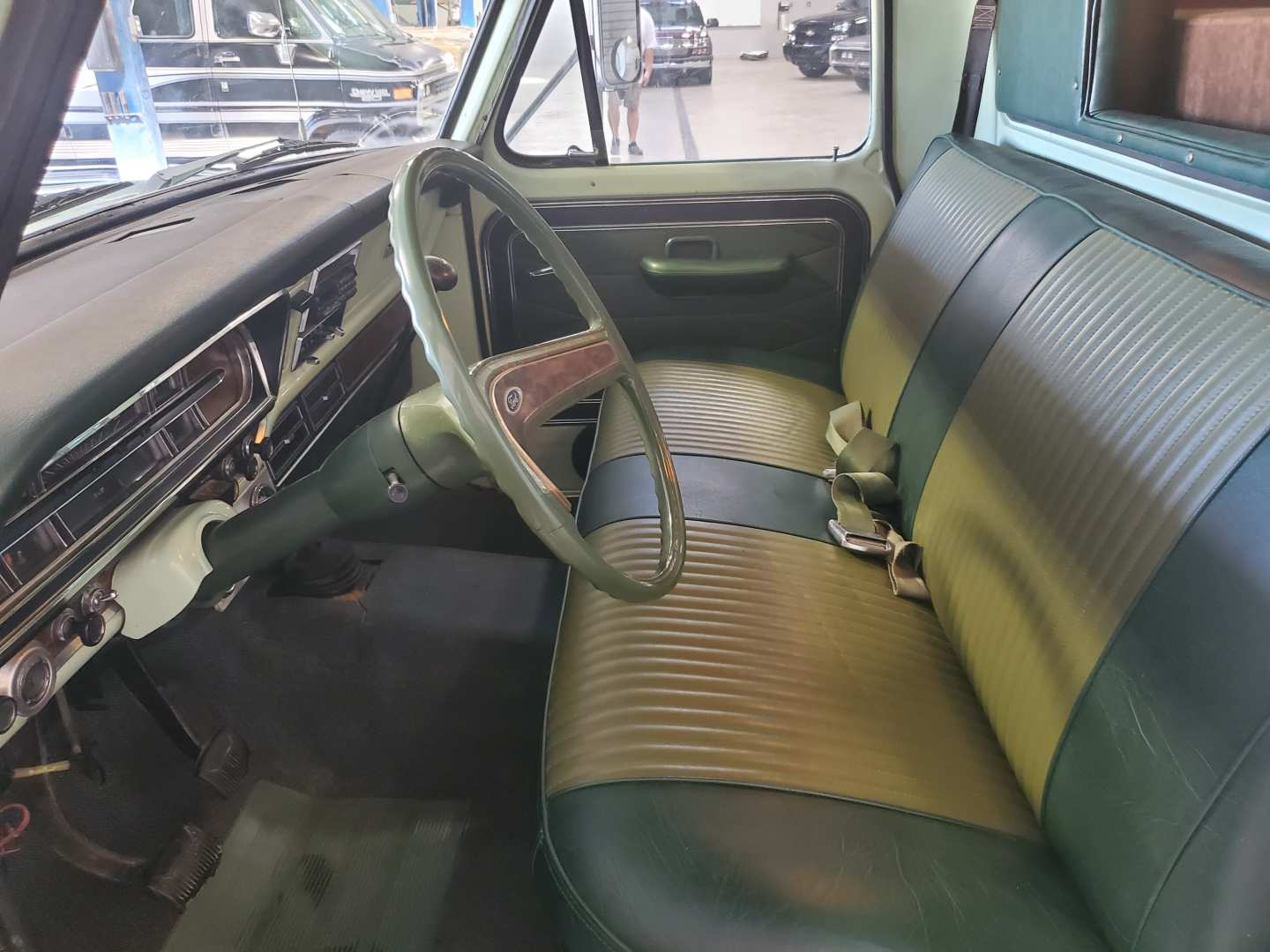 6th Image of a 1971 FORD TRUCK F350