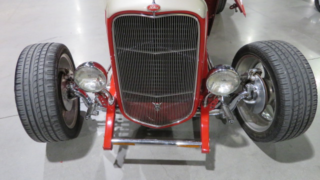 4th Image of a 1932 FORD RDS